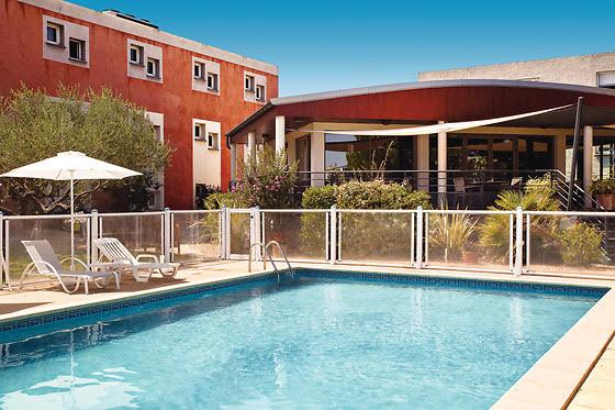 hotel_pool_bar_dynamise_offre_restauration